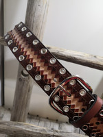 Kolmen ruskean nahkavyö sirkoilla 40mm/2h