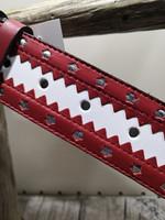 Valkoinen nahkavyö punaisellareunalla hopeanvärisellä tähdellä 40mm/1h