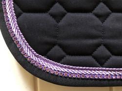 Equiline Octagon satulahuopa, este/yleis, navy violeteilla nyöreillä & strasseilla