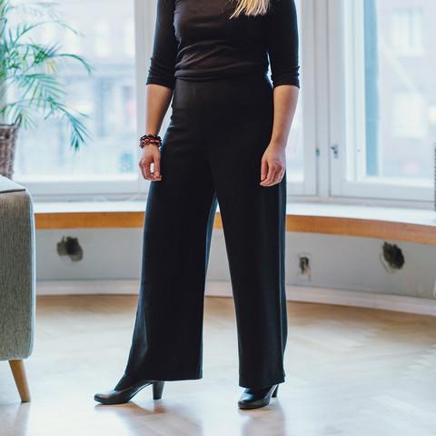Wide leg woollen pants