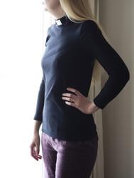 Long-sleeved black shirt for pastors. Women's sizes.