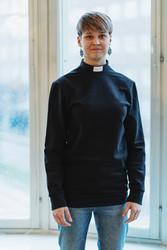 Black sweatshirt with tab collar