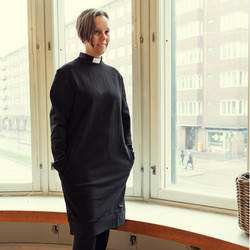 Black sweatshirt dress with tab collar
