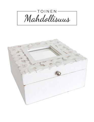 Laatikko valkoinen