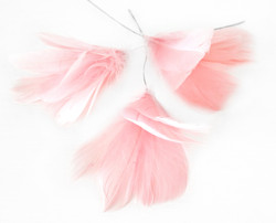 Höyhenkoriste kukka vaaleanpunainen - pääsiäiskoriste