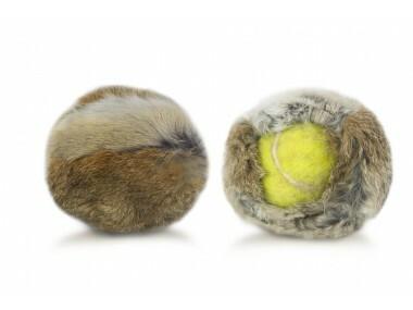 Kaninkarvapäällinen tennispalloon