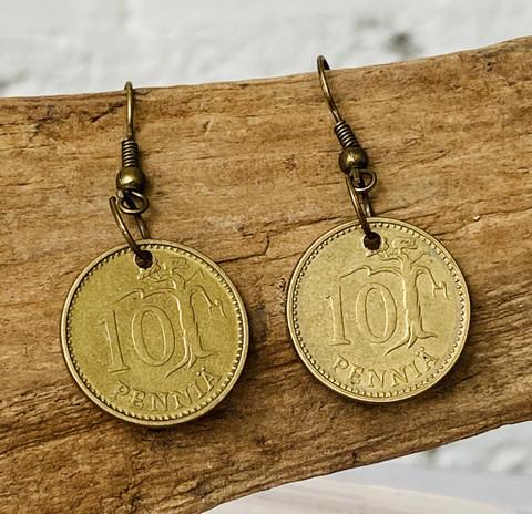 Korvakorut 10 penniä 1975