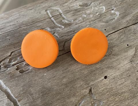 Oranssi nappi