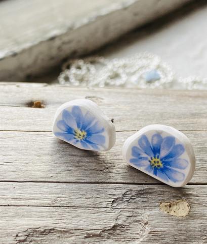 Uniikki kaunis astiakoru, nappimalli, sininen kukka
