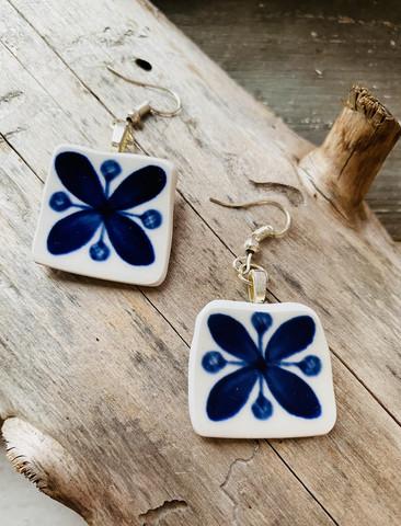 Uniikki kaunis astiakoru, sininen kukka