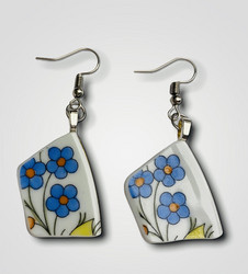 Uniikki kaunis astiakoru, siniset kukat