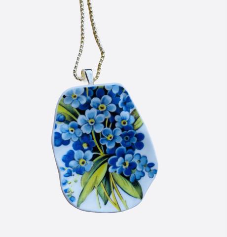 Uniikki kaunis astiakoru riipus, siniset kukat