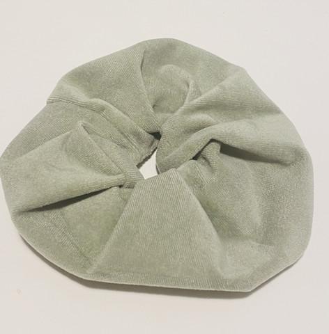 Sametti scrunchie