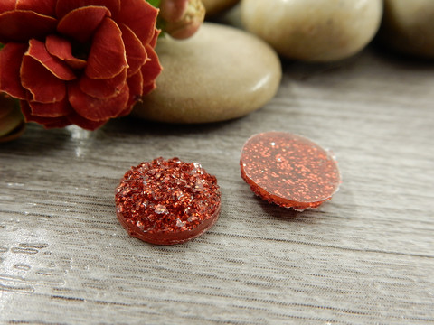 Kapussi glitter, 10mm, punainen, 1kpl