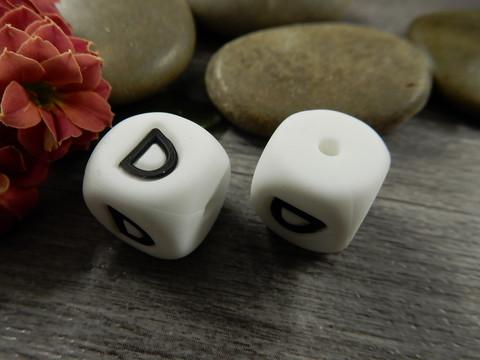Kirjainhelmi D, 12mm, valkoinen, 1kpl