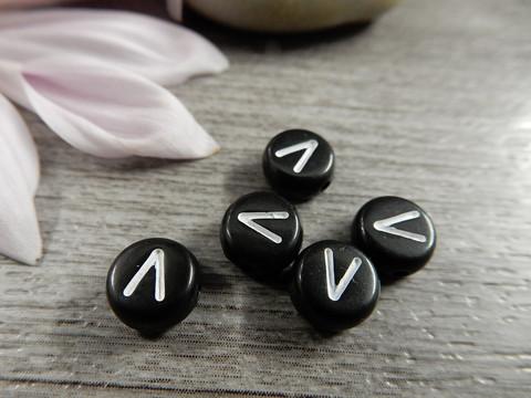 Kirjainhelmi V, 7mm, musta, 1kpl