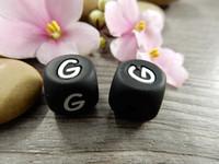 Kirjainhelmi G, 12mm, musta, 1kpl
