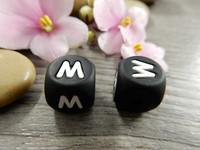 Kirjainhelmi M, 12mm, musta, 1kpl