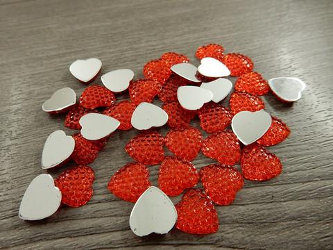 Kapussi sydän, 12mm, punainen, 1kpl