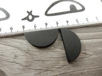 Puoliympyrä puuhelmi, 31x15mm, musta, 1kpl