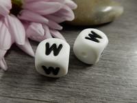Kirjainhelmi W, 12mm, valkoinen, 1kpl