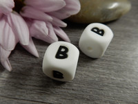 Kirjainhelmi B, 12mm, valkoinen, 1kpl