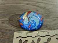 Kapussi tyttö ja hylkeet, 25mm, värikäs , 1kpl