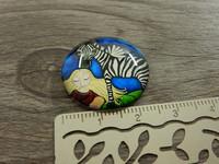 Kapussi tyttö ja seepra, 25mm, värikäs, 1kpl