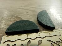 Puoliympyrä puuhelmi, 31x15mm, tumman vihreä, 1kpl