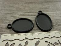 Kapussipohja, 13x18mm, musta, 1kpl