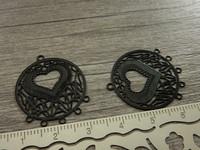 Sydänriipus/ linkki, 28x24mm, musta, 1kpl
