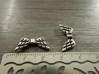 Metallihelmi/ riipus siivet, 19x8mm, kromi, 1kpl