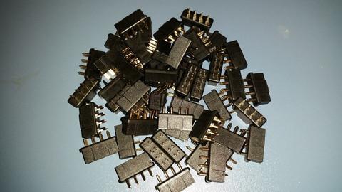 Multiplex liitin, 8 pin Naaras (67524)