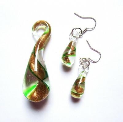 Vihreäkultainen lasipisarasetti spiraalilla