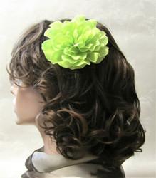 Limenvihreä hiuskukka klipsillä