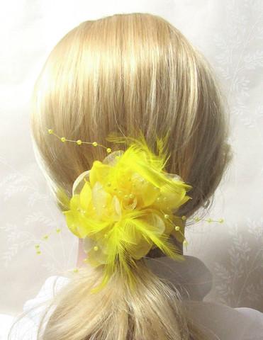 Näyttävä Pukukukka / Hiuskukka  Keltainen
