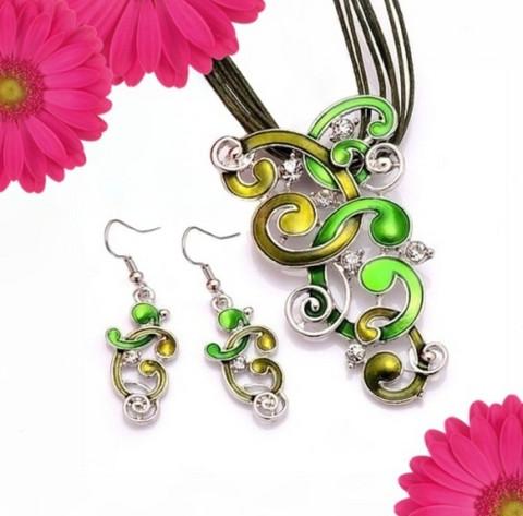 Vihreä Kiemurat korusetti kristalleilla