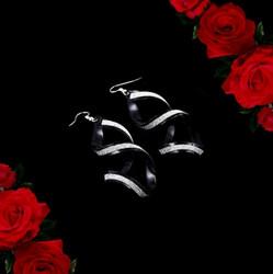Isot mustat kimaltavat spiraalikiemura korvakorut