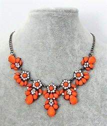 Oranssi Akryyli / Kristalli kaulakoru