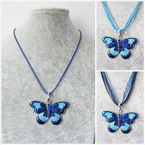 Kaunis sininen perhoskaulakoru