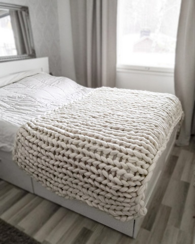 White chunky knit blanket 240x150cm