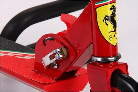 Ferrari Scoot- potkulauta