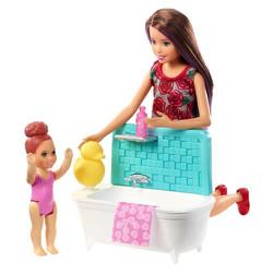 Barbie Skipper lapsenvahti-kylpyhetki