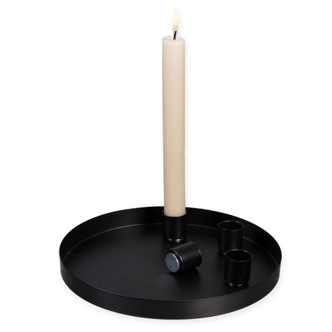 Candleholder with magnets