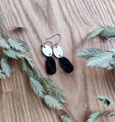 Kaksikko-korvakorut valkoinen+musta