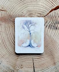 Puun juurella magneetti