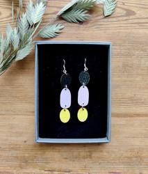Kolmikko-korvakorut musta+lila+keltainen