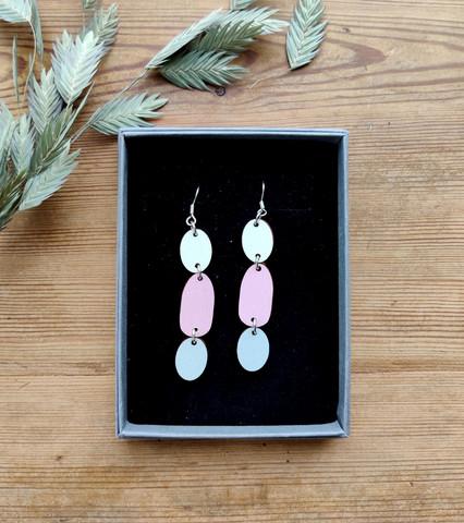 Kolmikko-korvakorut valkoinen+vaaleanpunainen+vaaleanharmaa