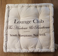 Istuinpehmuste Lounge Club