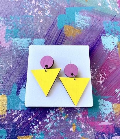 Triangeli -lila-keltainen